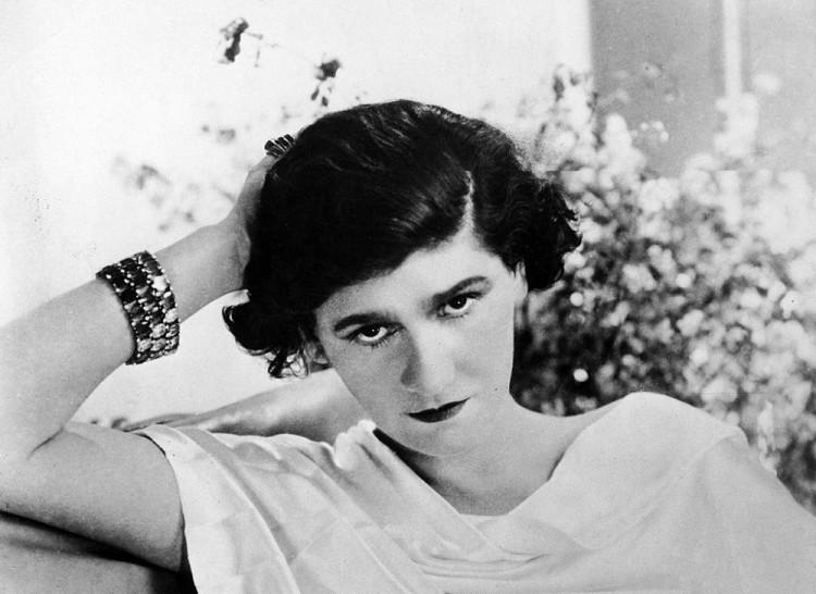 Legendárna Coco Chanel dala ženám malé čierne 4fa1ea046e0