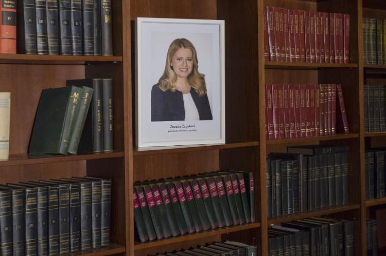 487b3c8c8 Podľa ústavy je hlavou Slovenskej republiky prezident. A keď je to  prezidentka?