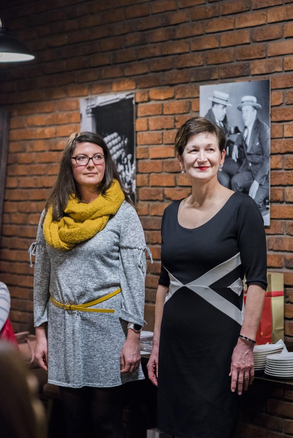 a8982ab9b729 Ležérny (vľavo) a elegantný štýl . Foto - Miroslava Spodniaková